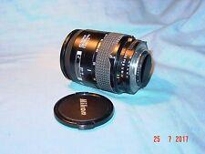 Nikon AF Nikkor 28 - 85 mm con funzione macro