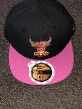 New Era NBA 59 fifty Chicago Bulls Windy City Niños Negro/Rosa Gorra Ajustada 6 3/8