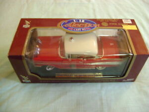 Road Legends # 92106 1957 Chevrolet Bel Air  FIRE CHIEF  1:18  NEW IN BOX