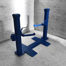 Hydraulic 2 Post Car Lift 1:43 Scale for Diorama Garage / Workshop Scene