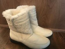 White Women's Quilted Fur Lined Waterproof Snow Boots Shoes Sz 10 EUC