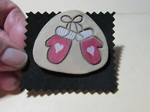 """VINTAGE 2"""" light weight (wood?) red mittens pin broach brooch"""