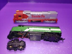 AS IS ASSORTED JUNK UNTESTED HO TRAIN LOCOMOTIVE ALL NEED REPAIRS OR CLEANING