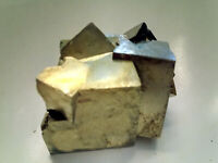 PYRITE FOOLS GOLD SPARKLY CRYSTAL CUBES  175g 40mm FC126