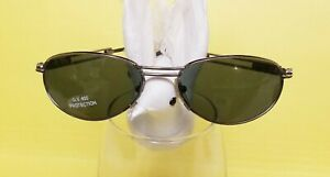 New BEVERLY HILLS Sunglasses Silver and Black U.V. 400 Protection FREE CASE