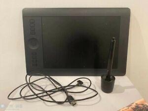 """Wacom Intuos Pro PTH-651 Sans Fil Tablette Graphique -Médium """" Très bon état """""""