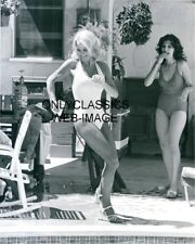 1974 Angie Dickinson On Set POLICE WOMAN NBC Television Photo Pinup Cheesecake
