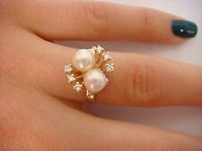 14K YELLOW GOLD LADIES RING WITH SMALL DIAMONDS AND 2 PEARLS 3.8 GRAMS