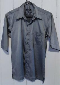 TOMMY HILFIGER Men's 90's Vintage Style Button Front Shirt SIze L