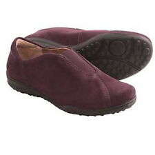TAOS-Center Peace-Plum Suede Slip-On Shoes-Sz 8.5-Excellent