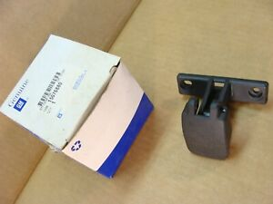 NEW GM 15076880 03 2018 Chevy Express van pop out window latch