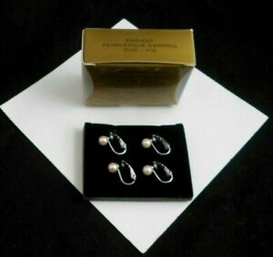 LOVELY AVON RADIANT PEARLESQUE CLIP EARRINGS DUO IN WHITE AND PINK TINT NOS