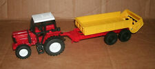 1/32 Scale Plastic Farm Tractor Model With Spreading Trailer - Manure Spreader
