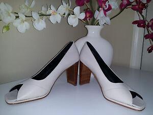 "Amanda Smith ""Hanna"" Ivory Leather Peep Toe Pumps 3,5""Heel Ladies Shoes Sz. 9 M"