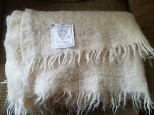 Toison D'or France 100% Mohair Throw Lap Blanket Creme color Tres excellent!!