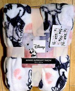 Disney Minnie Mouse Super Soft Cosy Fleece Throw 120cm x 150cm