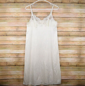 """Vassarette Womens 34 26"""" / 40 Full Dress Slip Ivory Lace"""