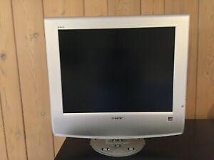 """Sony WEGA KLV-S20G10 LCD Color Retro Gaming TV 20"""" -Works"""