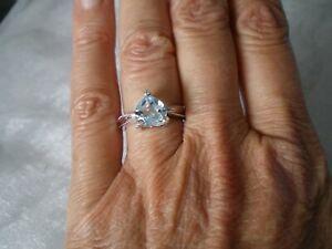 Sky Blue Topaz & Topaz ring, size L/M, 2.3 carats, 2.57 grams 925 Sterling Silve