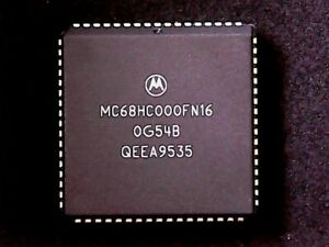 MC68HC000FN16 - Motorola Microcontroller 32-Bit 16MHz 68000 (PLCC-68)