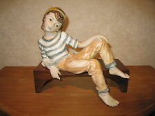 ISAC ITALY *NEW* Posture Garçon sur banc 12x30cm H.28cm Boy on bench