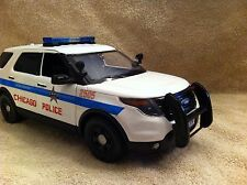 1/18 SCALE CHICAGO POLICE PD FORD SUV UT DIECAST WITH WORKING LIGHTS AND SIREN