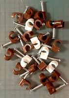 WILKO 24x BROWN incl FEW WHITE 7mm Round Cable Clips Aerial Coaxial In / Outdoor