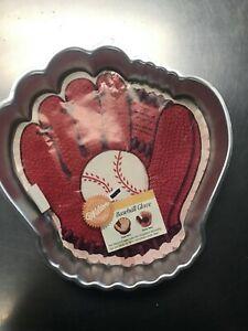 Wilton Baseball Glove/Turkey/Happy Bunch Cake Pan with Insert