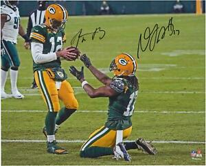 Autographed Aaron Rodgers Packers 16x20 Photo Item#11359345