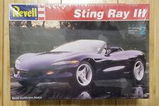 Revell Chevrolet Corvette Sting Ray III 1:25