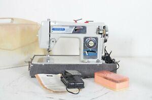 Vintage Morse Fotomatic III 4300 Auto Zig Zag Sewing Machine Tested Working