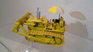 International Harvester TD15 Dozer w/Drawbar and Umbrella by First Gear 1:50