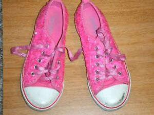 OLD NAVY GIRLS SNEAKER LACED USED SIZE 1 YOUTH PINK SEQUINED UPPERS
