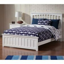 Atlantic Furniture Mission Full Spindle Bed in White