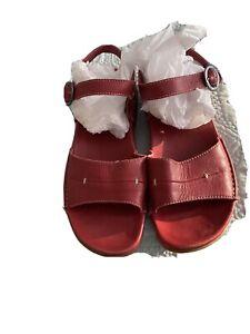 ladies clarks Leather sandals size 6