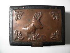 Schöne antike jagdliche Schatulle - Kiste aus Eisen - mit Gams Jagdmotiv