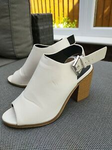 White Summer Shoe Boots Block Heel Buckle Size 6