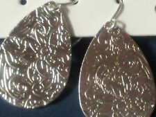 silver tone etched earrings 2cm x 2.5cm approx