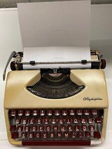 Reiseschreibmaschine Olympia - Vintage 50/60er Jahre - mechanisch im Koffer