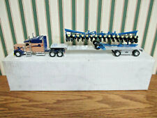 Kinze Vision Kenworth Semi With 3600 16 Row Planter  By SpecCast 1/64th Scale
