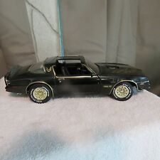ERTL-1-18-1977-Pontiac-Firebird-Trans-Am-SMOKEY-and-the-BANDIT-American-Muscle