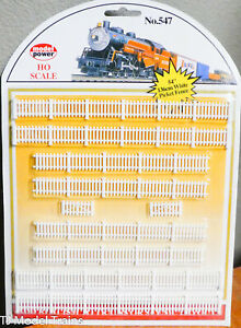 """Model Power HO #547 White Picket Fence (Plastic Parts) 54"""" or 136cm (1:87th)"""