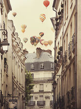 Flying Over Paris Kunstdruck Irene Suchocki