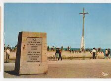 Courseulles Sur Mer Stele en Memoire du Debarquement du 6 Juin 1944  237a