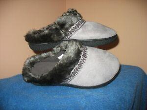 ISOTONER BRAND Memory Foam Slippers-Women's   -  Size  6 1/2 - 7