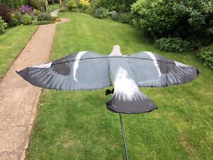 Pigeon Decoy SILLOSOCKS  HYPA-FLAP suitable for  ROTARY MAGNET BOUNCER FLOATER