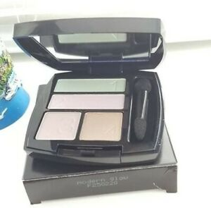 AVON True Perfect Wear Eyeshadow quad -Modern glow-