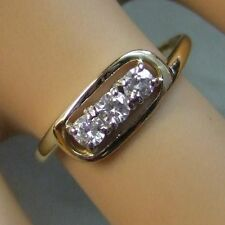 9 ct GOLD second hand  three stone ring