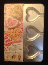 NEW WRAPPED Wilton Heart Cookie Treat Pan Rice Crispy / Cookie Bouquet 1995 Good