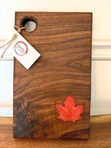 OH! CANADA WALNUT SERVING BOARD